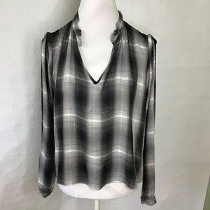 Cloth & Stone V neck long sleeve top
